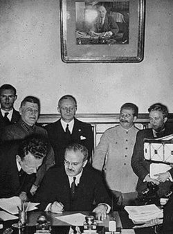 Signature des accords Ribbentrop-Molotov