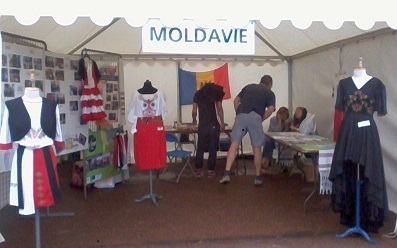 Le stand de la Moldavie, place Bellecour à Lyon